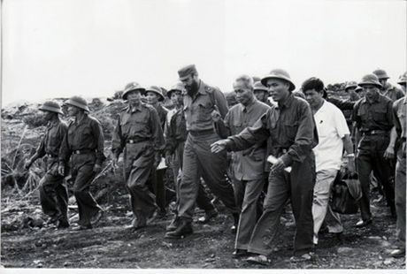 Nhung hinh anh khong the nao quen khi Fidel Castro den Viet Nam - Anh 8
