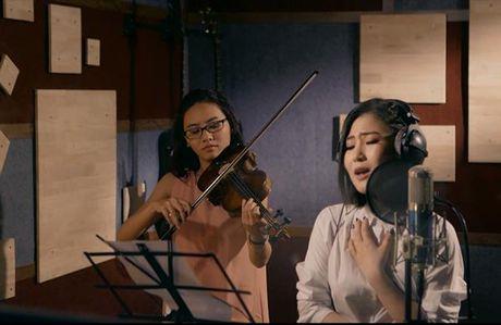 Huong Tram lay nuoc mat khan gia trong MV 'Cho em gan anh them chut nua' - Anh 3