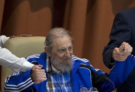 Nhung buc anh lich su ve cuu chu tich Cuba Fidel Castro - Anh 10