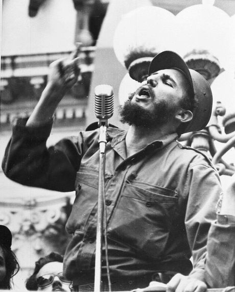 Nhung buc anh lich su ve cuu chu tich Cuba Fidel Castro - Anh 1