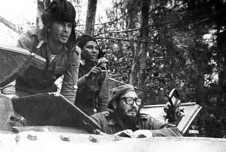 Nhung buc anh lich su ve cuu chu tich Cuba Fidel Castro - Anh 4