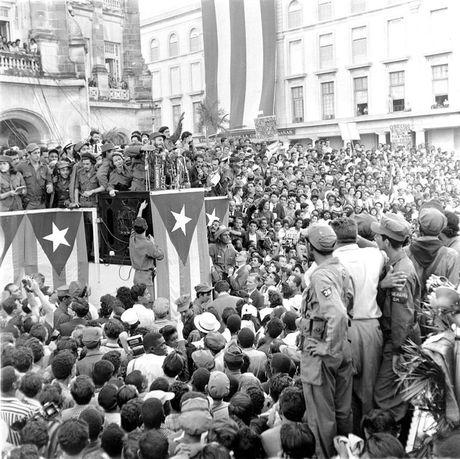 Nhung buc anh lich su ve cuu chu tich Cuba Fidel Castro - Anh 5