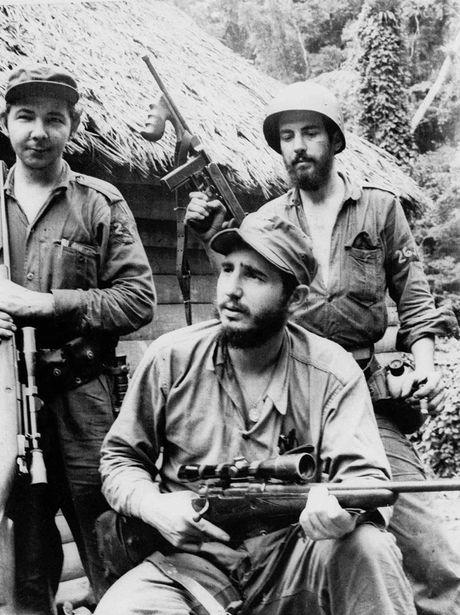 Nhung buc anh lich su ve cuu chu tich Cuba Fidel Castro - Anh 7