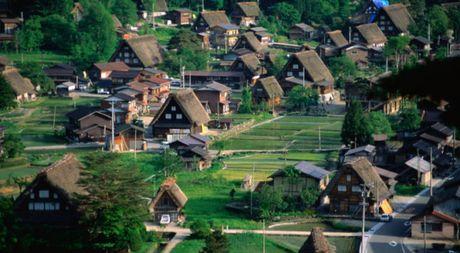 Canh dep nhu tranh o Shirakawa-go, ngoi lang con nguyen net hoang so o Nhat Ban - Anh 1
