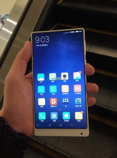 Xiaomi Mi MIX lo ban mau trang cuc nu tinh - Anh 2