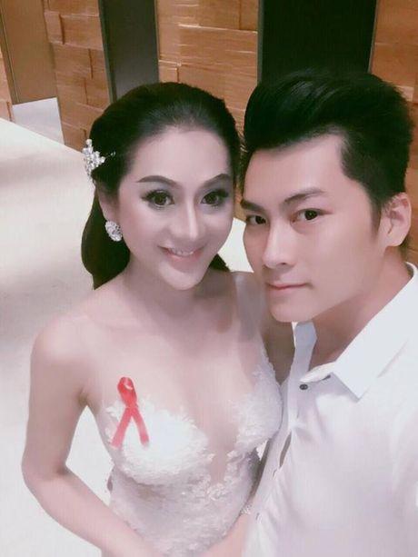 Lam Khanh Chi bi chi trich mac phan cam, dien vay qua dai lam lo trong su kien tu thien - Anh 2