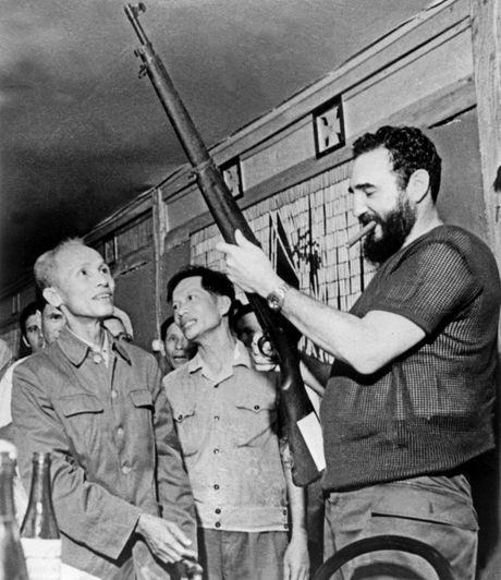 Cuoc doi nhieu thang tram cua lanh tu Fidel Castro qua anh - Anh 11