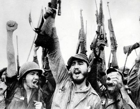 Cuoc doi nhieu thang tram cua lanh tu Fidel Castro qua anh - Anh 3