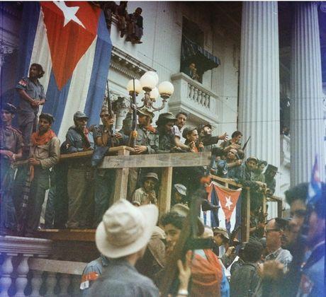 Cuoc doi nhieu thang tram cua lanh tu Fidel Castro qua anh - Anh 4