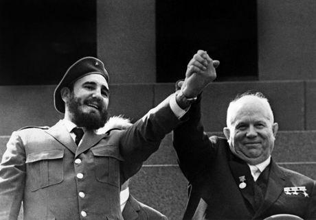 Cuoc doi nhieu thang tram cua lanh tu Fidel Castro qua anh - Anh 8
