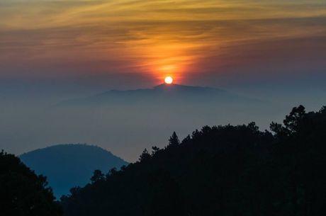 Chiem nguong hoang hon tai diem cao 500m tren ban dao Son Tra – Da Nang - Anh 1
