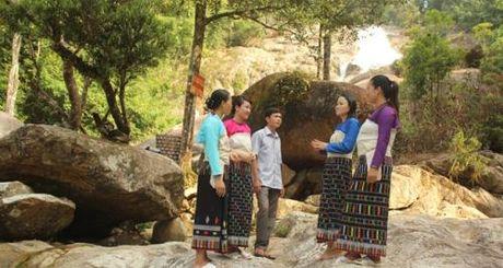 Ban Nang Cat, thac Ma Hao: Diem den moi cua du lich Thanh Hoa - Anh 1