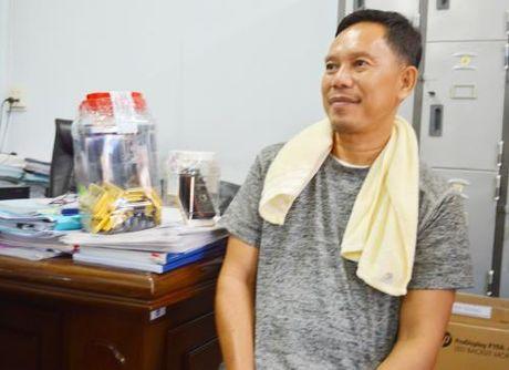 An Giang: Bat giu vu van chuyen 18 kg vang trai phep qua bien gioi - Anh 3