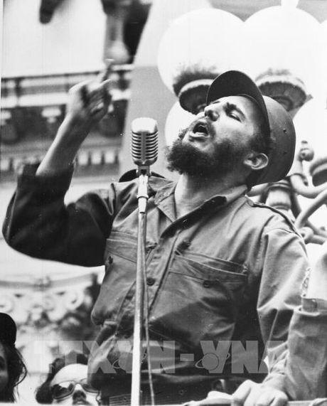 Nguoi dan Cuba va lanh dao cac nuoc tiec thuong anh tu Fidel Castro - Anh 1