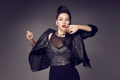 My Tam - Ha Ho dung cung san khau, xoa tan tin don ran nut - Anh 3