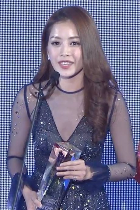 Chi Pu sanh vai cung Choi Jin Huk trao giai cho chu nhan hit 'Apple Pen' - Anh 16