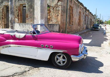Xe co ve dau khi My-Cuba binh thuong hoa quan he - Anh 11
