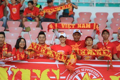 Truc tiep DT Viet Nam – Campuchia: Viet Nam mat nguoi tu rat som - Anh 7