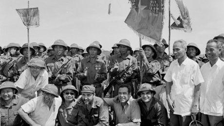 Lanh tu Fidel Castro va moi than tinh voi Viet Nam - Anh 1
