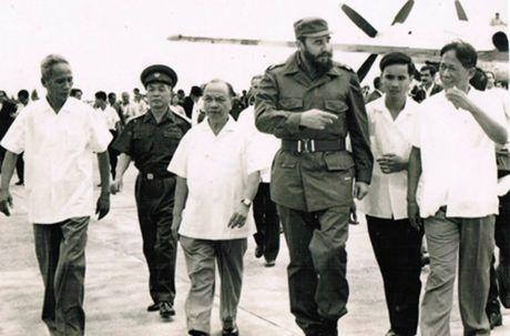 Lanh tu Fidel Castro va moi than tinh voi Viet Nam - Anh 2