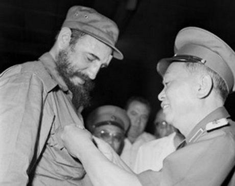 Lanh tu Fidel Castro va moi than tinh voi Viet Nam - Anh 3