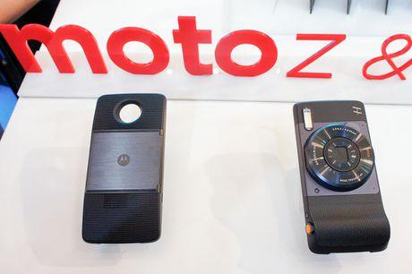 Lenovo trinh lang bo doi Moto Z va Moto Z Play ho tro phu kien mo rong - Anh 3