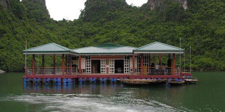Quang Ninh tam dung don khach tai Trung tam Van hoa noi Cua Van - Anh 1