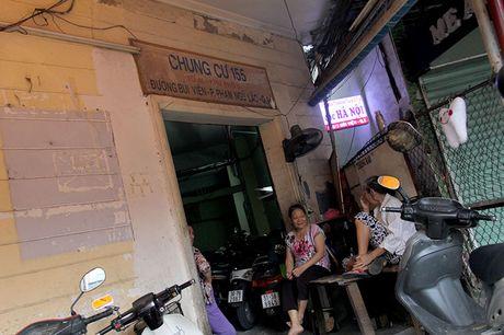 Can canh chung cu o pho Tay buoc phai di doi khan cap - Anh 2
