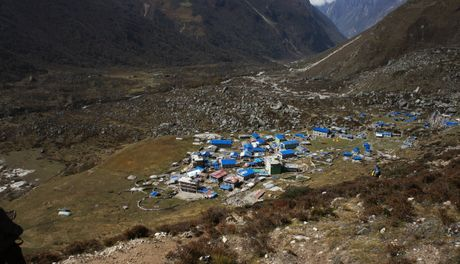 Phuot thu Viet di bo 3 ngay den ngoi lang xa xoi nhat Nepal - Anh 2