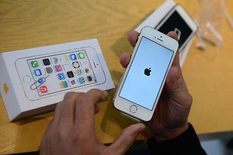 iPhone 5S van ban tot truoc con loc iPhone 6 gia re - Anh 2