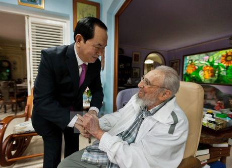 Hinh anh Fidel Castro voi cac lanh dao Viet Nam - Anh 6
