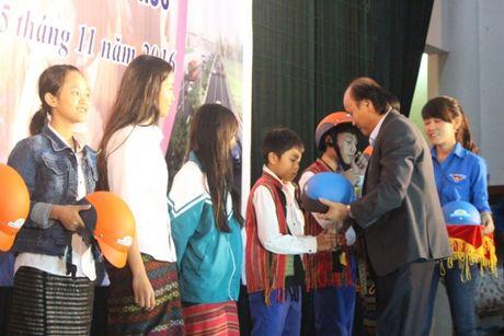 Quang Tri: Mot y thuc giao thong, trieu nu cuoi hanh phuc - Anh 3