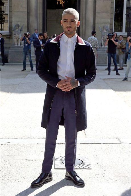 Chum anh: Zayn Malik danh bai Tom Hiddleston, tro thanh quy ong mac dep nhat nam - Anh 15