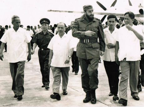 Nho chuyen di vao dat lua Quang Tri cua Fidel Castro nam 1973 - Anh 1