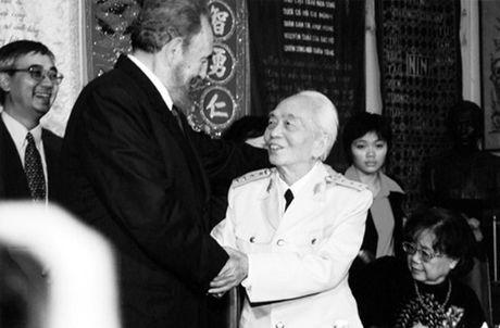 Rung rung CHUM ANH ve lanh tu Fidel Castro va Dai tuong Vo Nguyen Giap - Anh 3