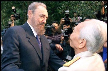 Rung rung CHUM ANH ve lanh tu Fidel Castro va Dai tuong Vo Nguyen Giap - Anh 7