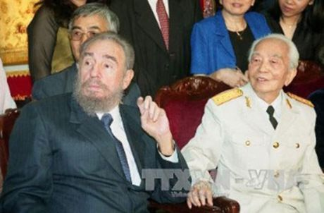 Rung rung CHUM ANH ve lanh tu Fidel Castro va Dai tuong Vo Nguyen Giap - Anh 9