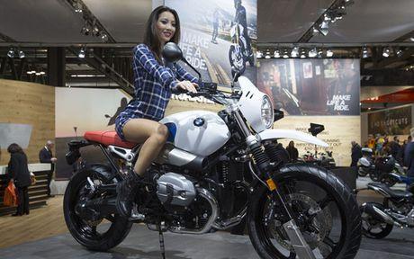 Ngam nhung 'bong hong' tai Trien lam moto EICMA 2016 o Y - Anh 3