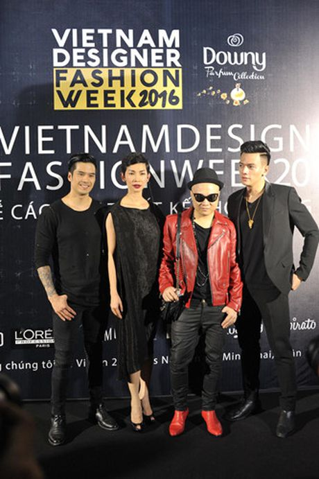 Dan sao Viet hoi ngo tai dem mo man Vietnam Designer Fashion Week 2016 - Anh 2