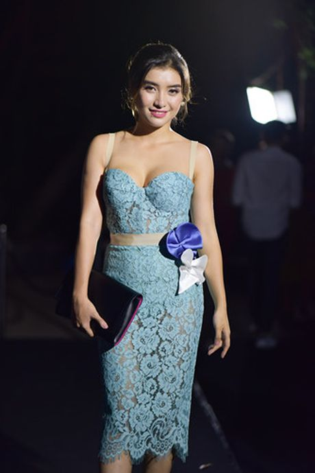 Dan sao Viet hoi ngo tai dem mo man Vietnam Designer Fashion Week 2016 - Anh 7