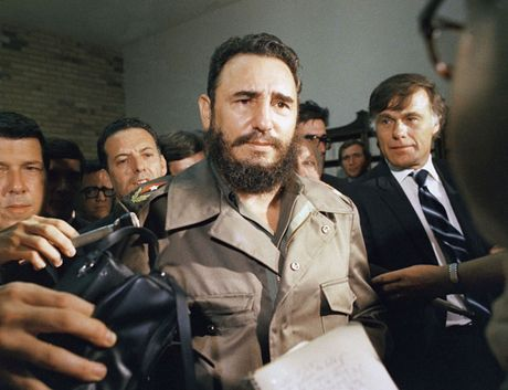 Hinh anh an tuong thoi tre cua Fidel Castro - nha cach mang Cuba - Anh 11