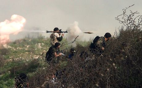 Quan doi Tho Nhi Ky to cao IS ban ten lua hoa hoc o mien Bac Syria - Anh 2