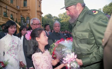 Nhung chuyen tham dang nho cua lanh tu Fidel Castro den Viet Nam - Anh 3