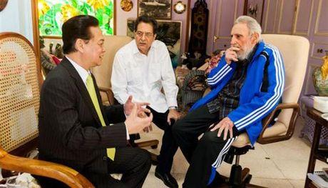 Tinh cam dac biet cua Viet Nam danh cho lanh tu Fidel Castro - Anh 2