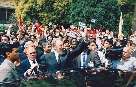 Tinh cam dac biet cua Viet Nam danh cho lanh tu Fidel Castro - Anh 6