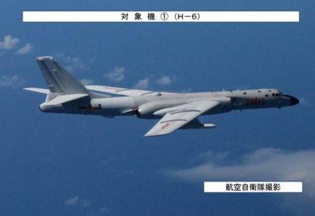 Trung Quoc len tieng vu may bay nem bom gan Nhat - Anh 1
