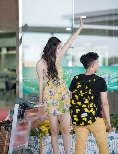 Mai Phuong Thuy me mac vay cuc ngan khoe chan sieu dai - Anh 11