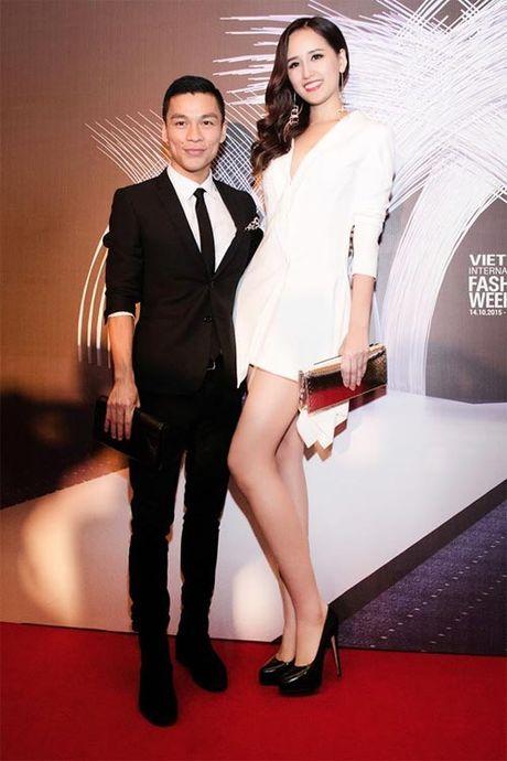 Mai Phuong Thuy me mac vay cuc ngan khoe chan sieu dai - Anh 5
