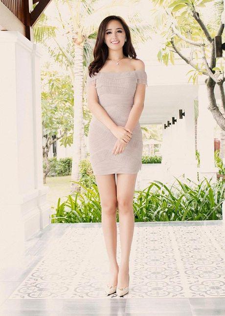 Mai Phuong Thuy me mac vay cuc ngan khoe chan sieu dai - Anh 8