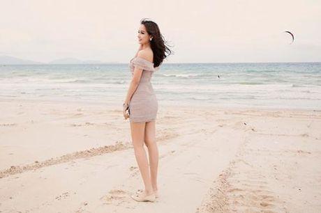 Mai Phuong Thuy me mac vay cuc ngan khoe chan sieu dai - Anh 9